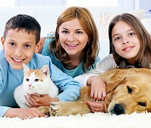 06family-with-cat-and-dog_300