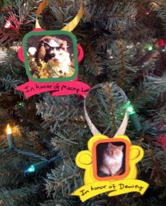 booth-lol-ornaments